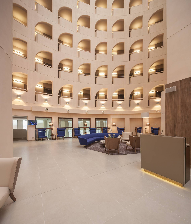 A Four Star Hotel In Lyon Ceramica Info